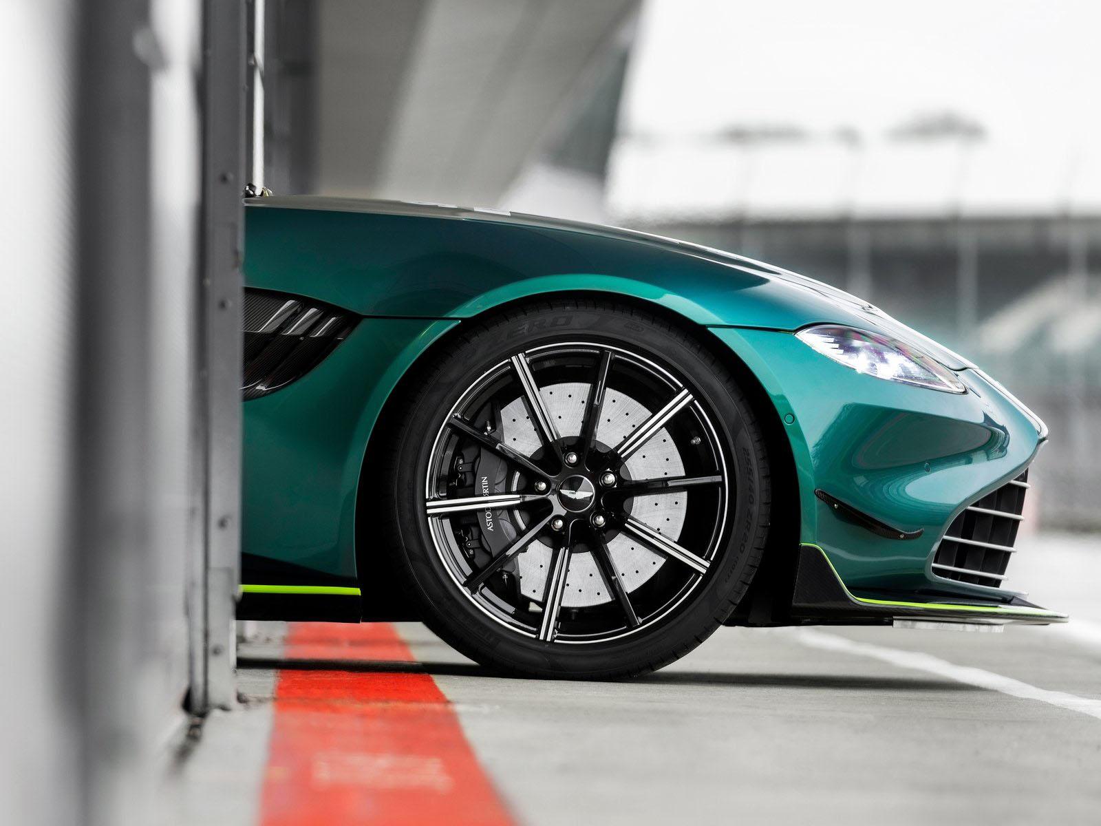 阿斯顿·马丁F1安全车
