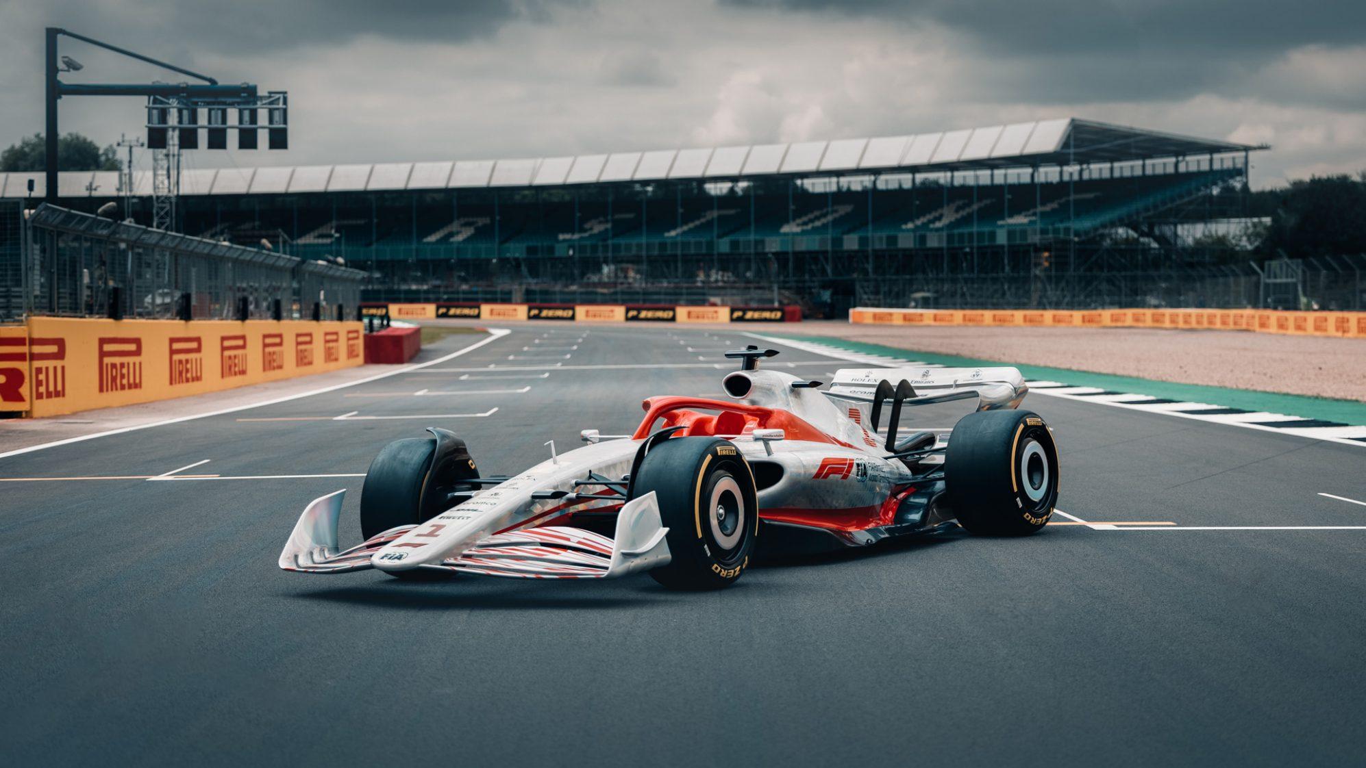 2022新规之下的F1长这样!下赛季新车模型发布