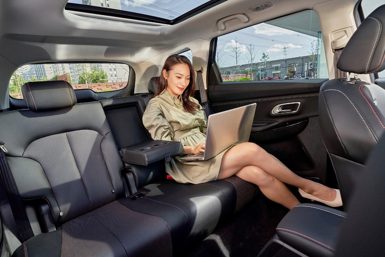 限时尝鲜价7.99万起 长安欧尚X7PLUS上市